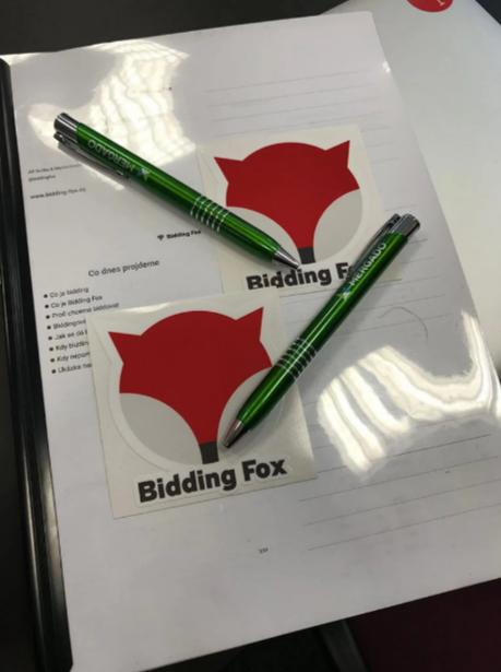 Bidding-fox
